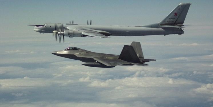 رپتورهای آمریکا هواپیماهای تجسسی روسیه را نزدیک آلاسکا رهگیری کردند