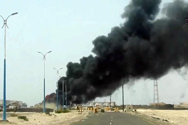 خبرنگاران یمن استفاده ائتلاف سعودی از بمب های خوشه ای آمریکایی را محکوم کرد