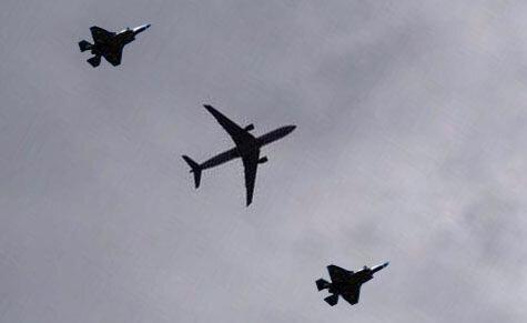 ایران، ماهان و مسافران می توانند علیه اقدام آمریکا طرح دعوا نمایند ، بازرسی هواپیمای مسافربری در آسمان توسط جنگنده ها مجاز است؟