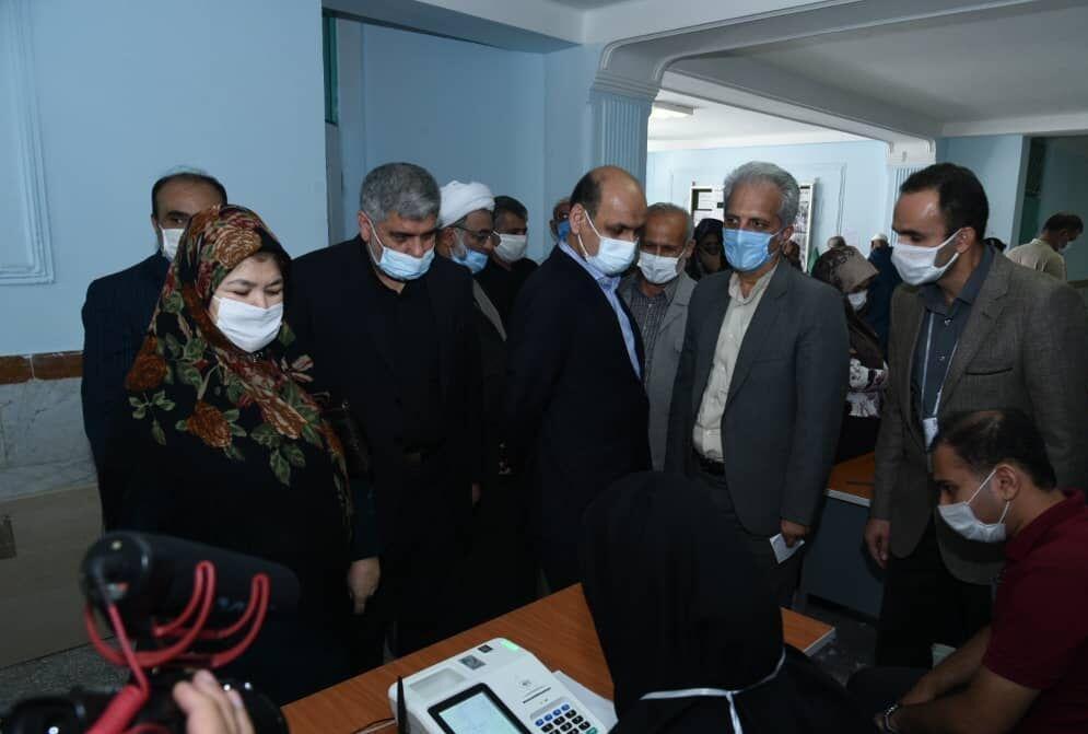 خبرنگاران حضور استاندار گلستان در ستاد انتخابات کردکوی، بندرگز و بندرترکمن