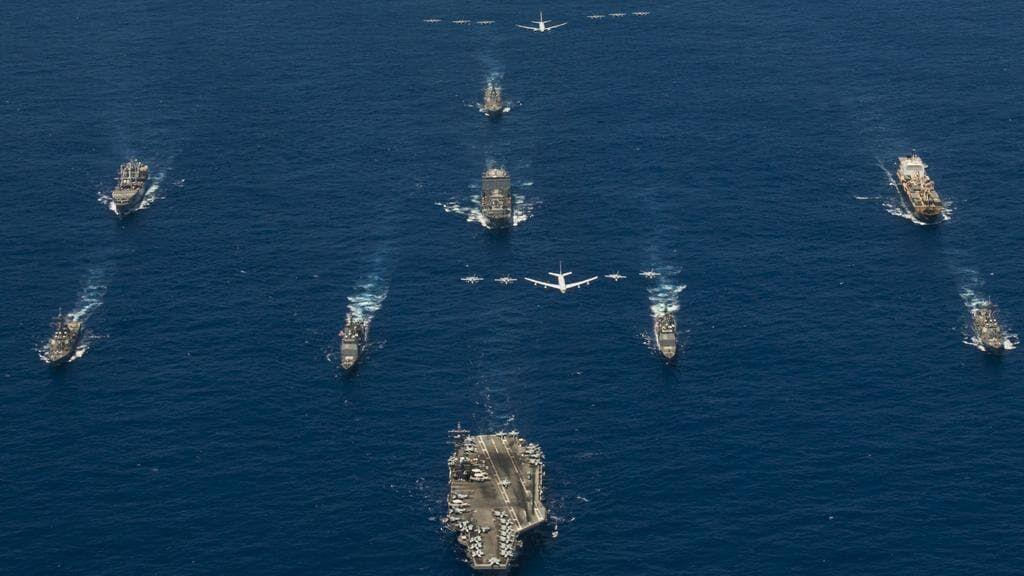خبرنگاران سه رزمایش همزمان در دریای جنوبی در اوج تنش های چین و آمریکا