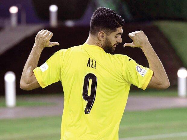 سرمربی تیم القطر: علی کریمی باید در خدمت تیم باشد