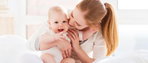 رنگ کردن مو در دوران شیردهی؛ بی خطر یا خطرناک؟